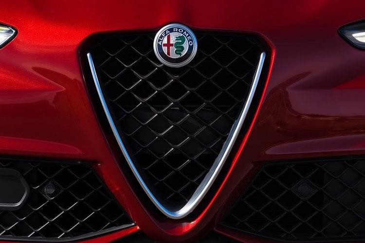 Alfa Romeo Giulia Saloon 2.2 TD 180PS Super 4Dr Auto [Start Stop] detail view