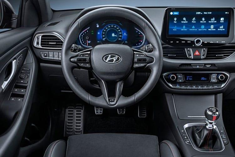 Hyundai i30 Tourer 1.0 T-GDi MHEV 120PS Premium 5Dr Manual [Start Stop] inside view